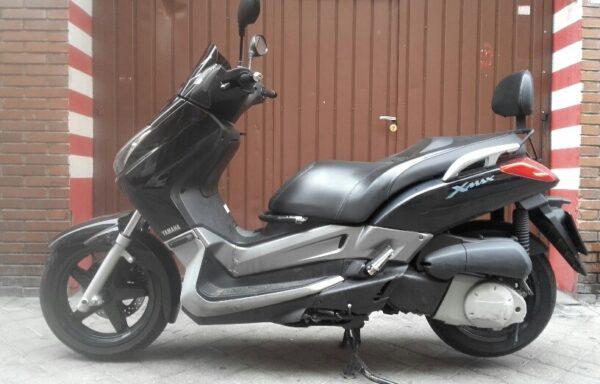 YAMAHA X MAX 250 – 1.200 €